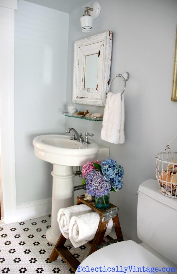 Use o que você tem- Escada antiga para decorar