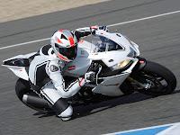 Gambar Motor 2013 Aprilia RSV4 R APRC 2
