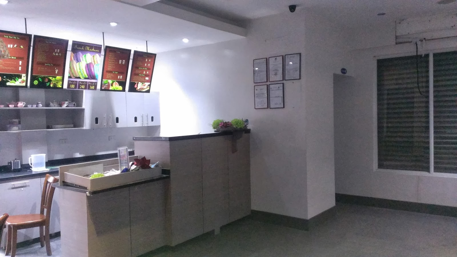 Commercial space for rent along kamuning road quezon city commercial properties for rent and - Small commercial rental space photos ...