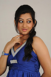 Cute Cheste Movie heroine Tanishka Pictures 006