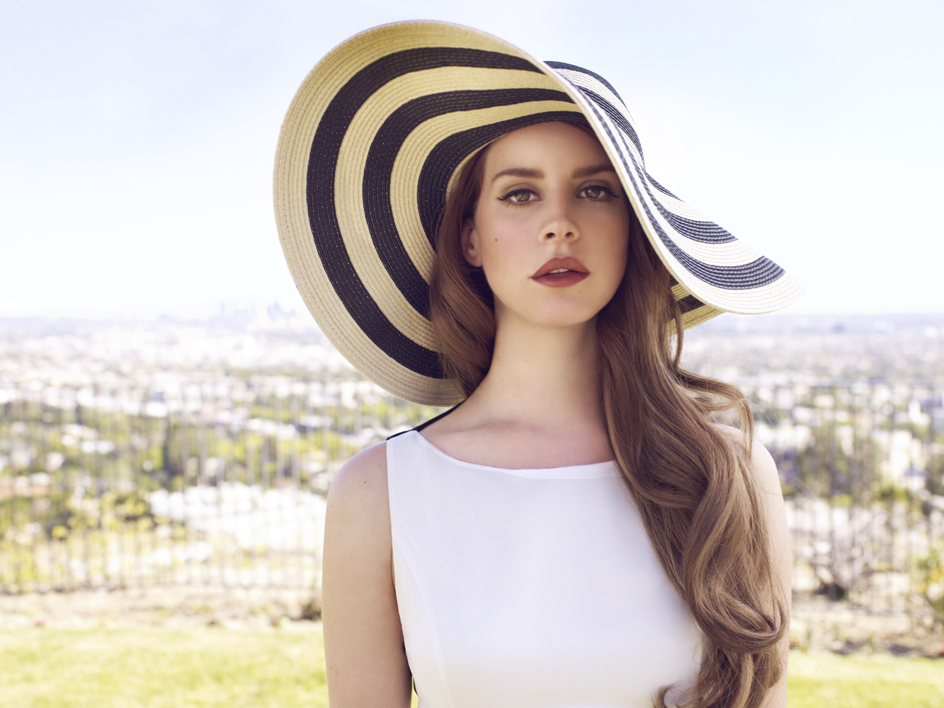 catholic single women in marina del rey Elizabeth woolridge grant (born june 21, 1985), known professionally as lana del rey del rey announced the lead single and natasha khan as women she.