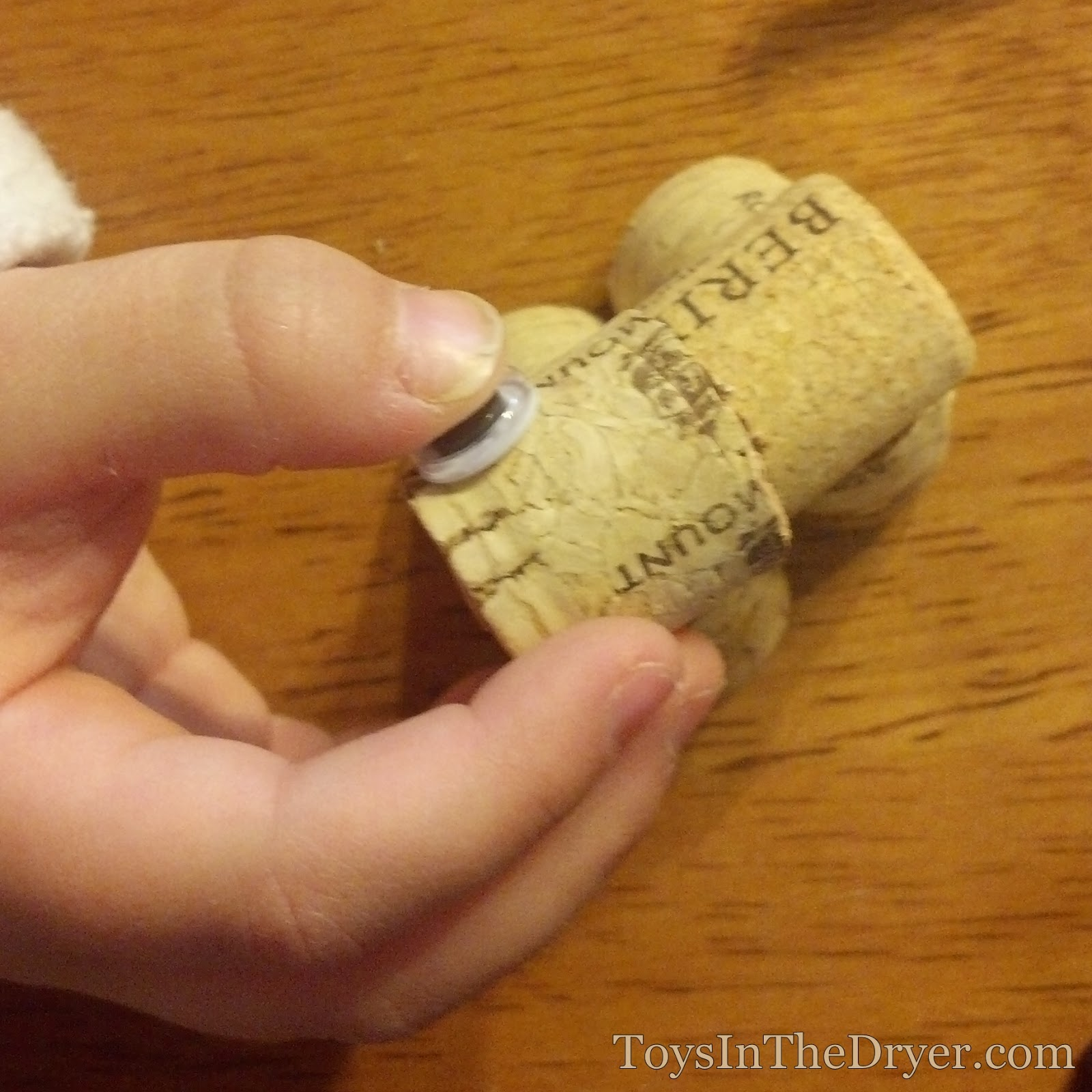 how to make a cork gun