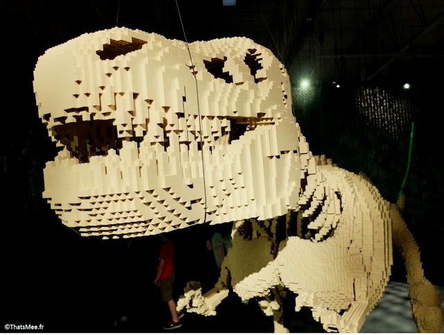 dinosaure by Nathan Sawaya expo The Art Of Brick Porte de Versaille Paris