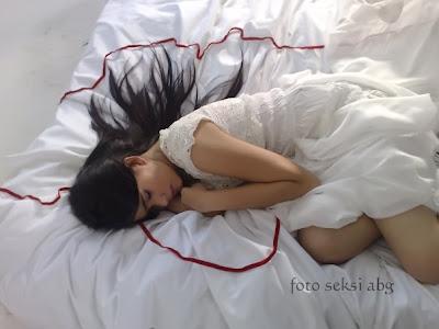 Foto Seksi dan Cantik Artis Kartika Putri Hot fotokartikaputrisexy3