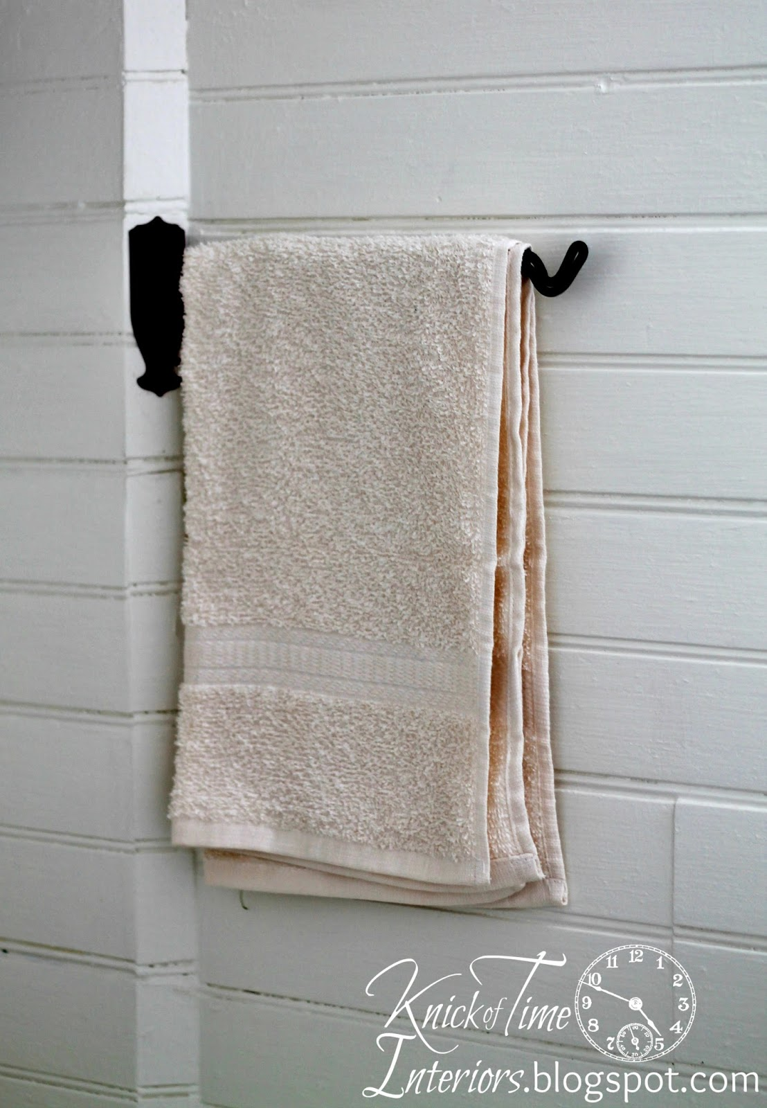 Towel-Bar-Farmhouse-Bathroom-Remodel-Knick of Time