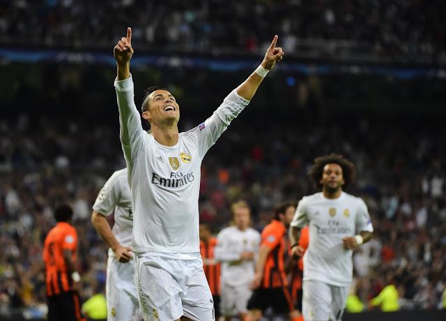 Mais uma vez, a estrela de Cristiano Ronaldo brilhou no Santiago Bernabéu (foto: PIERRE-PHILIPPE MARCOU / AFP)
