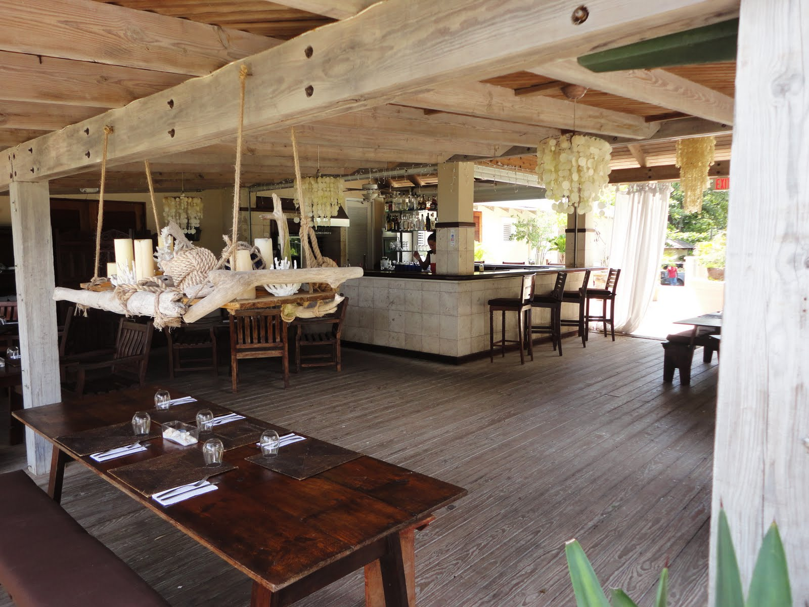 Pure style home prettiest island resturant for Puerto rico home decorations