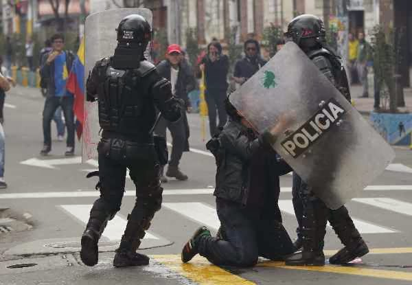 Lima Gerilyawan Tewas dalam Operasi Militer di Kolombia