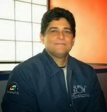Asesor en comunicaciones, Carlos Almánzar
