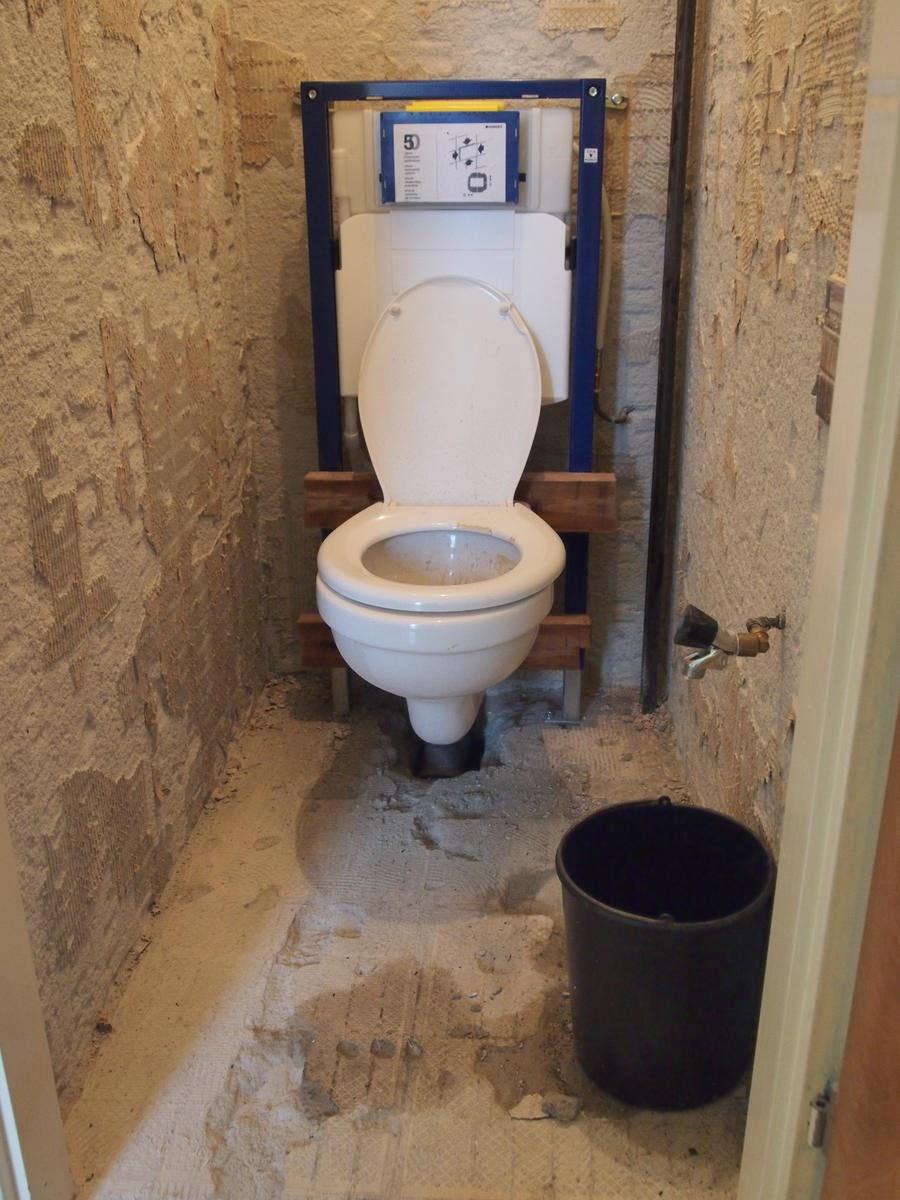 De kleine verbouwing noodtoilet - Muur tegels voor wc ...