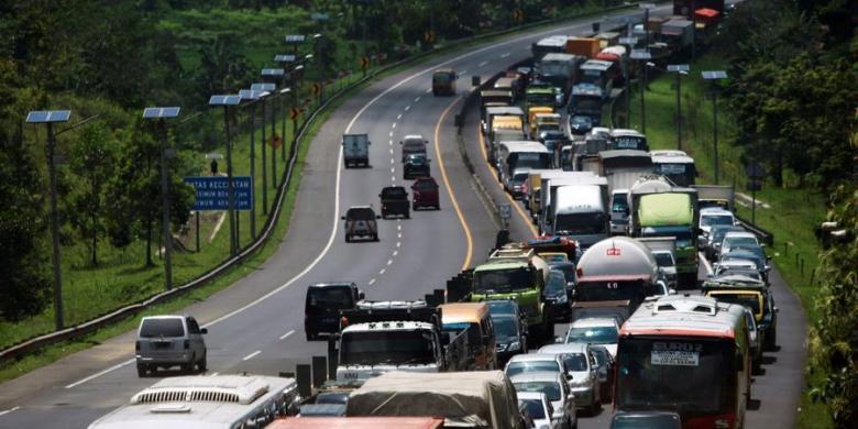 Tarif Travel Bandung-Jakarta Naik Hingga Rp15.000