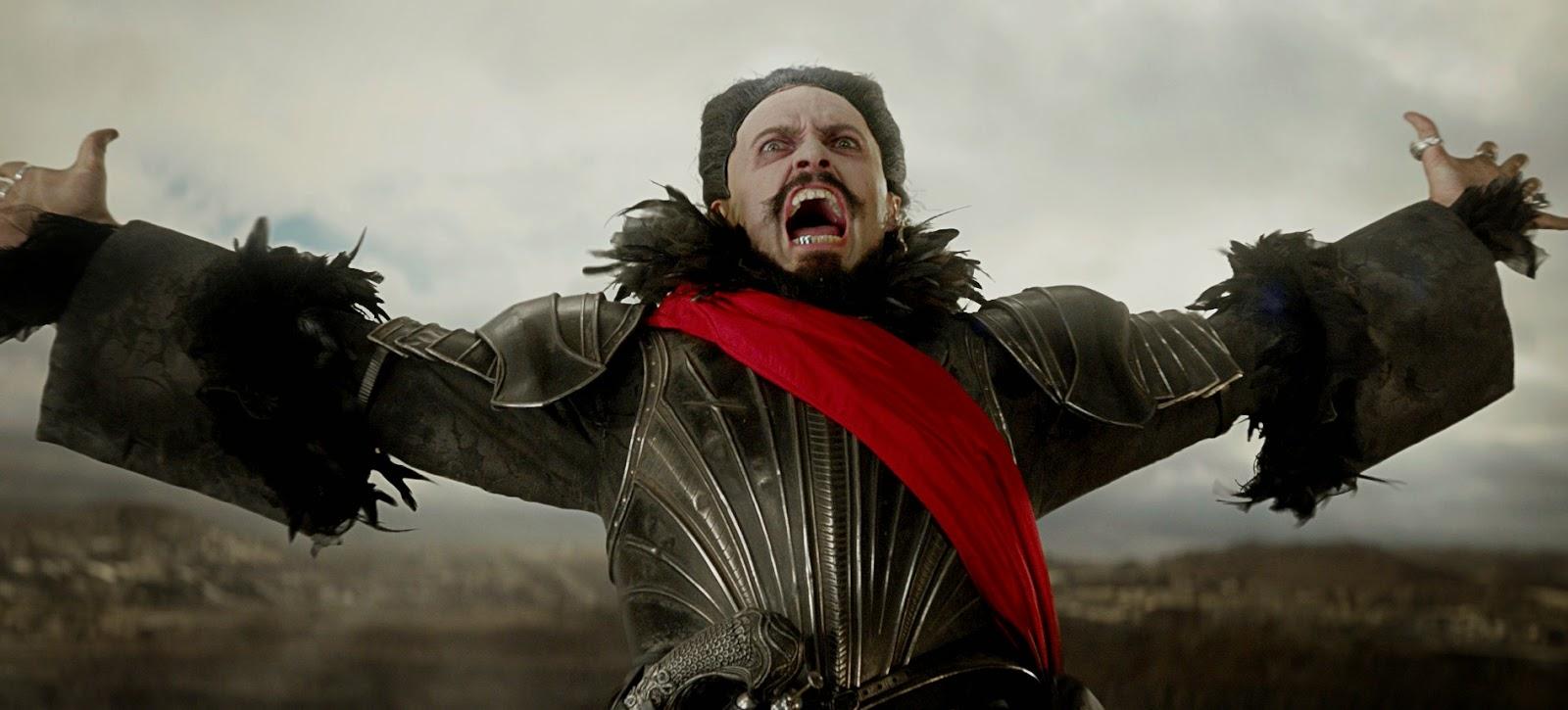 PAN | Warner Bros adia lançamento da adaptação com Hugh Jackman em 3 meses