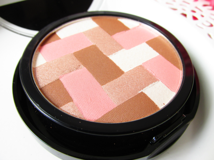 Review: Maybelline master Hi-Lighting Bronzer - 50 Light Bronze - nahaufnahme, close shot