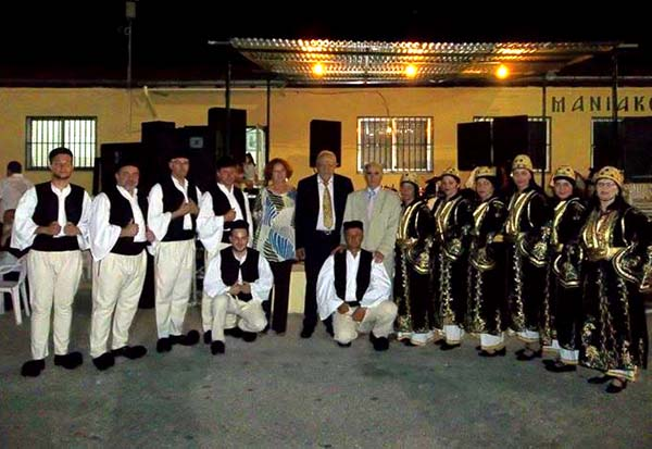 Το χορευτικό του Ομίλου Αργέσται στις εκδηλώσεις στους Μανιάκους