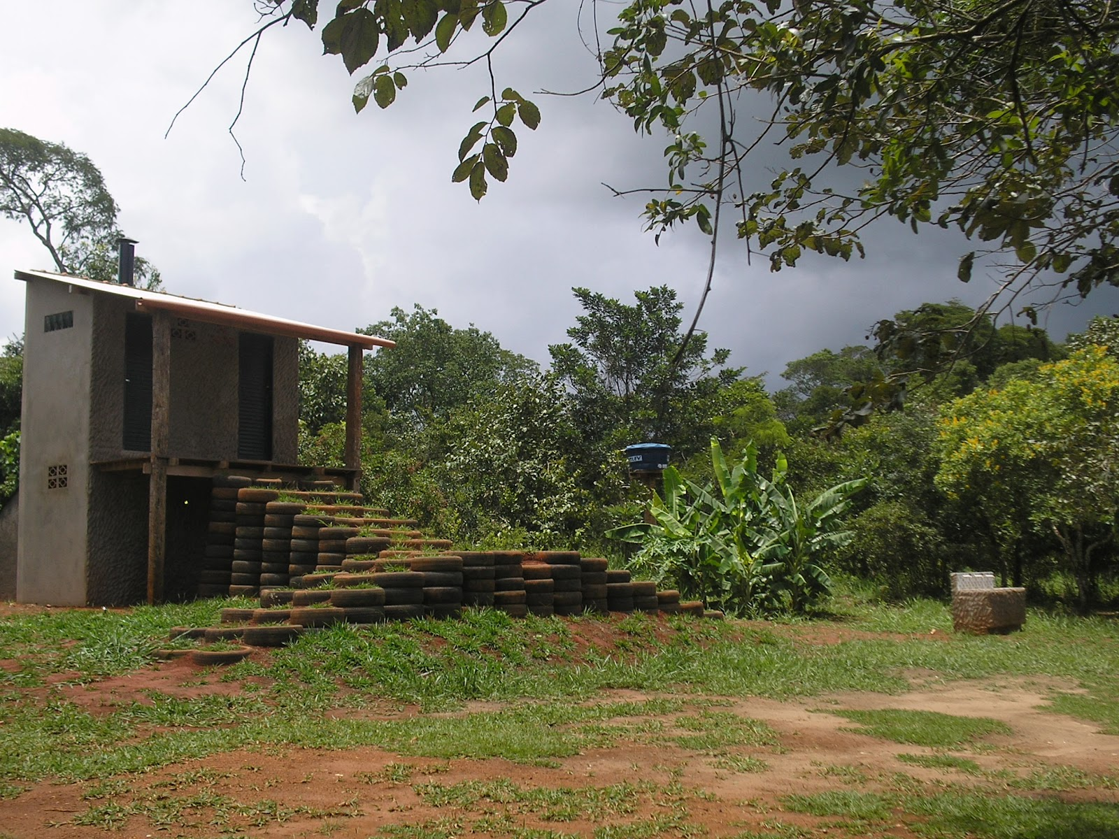 pronto nosso banheiro ecológico na prainha do rio formoso há 6km do  #4E5C29 1600 1200