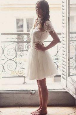 robe courte de mariée romantique féminine tulle et dentelle mariage bohème romantique paris