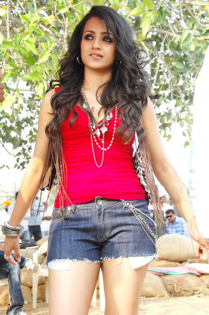 Trisha Krishnamurthy hot photos, Tamil Actress