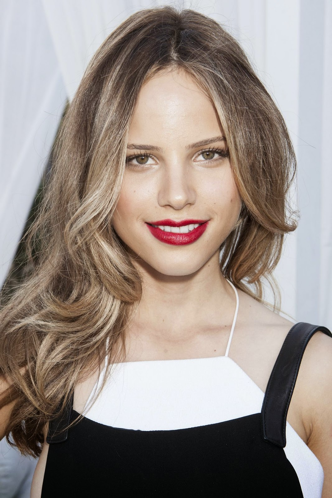 Halston Sage Beautiful HD Wallpaper Free