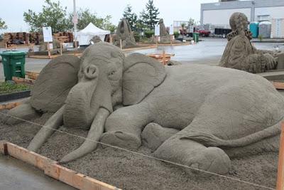 Homokból elefánt
