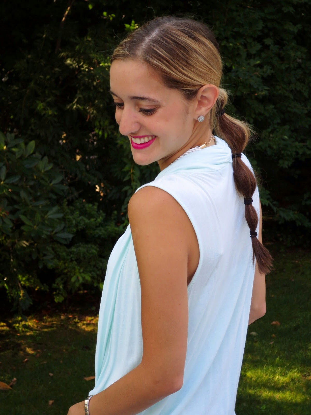 tiered ponytail hairstyle