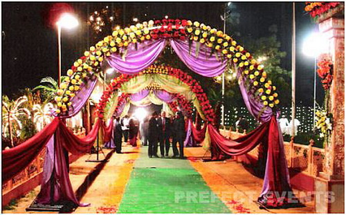 Flower Decoration In Indian Wedding Indian Wedding Wedding Decoration