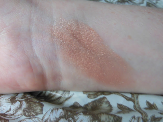 Laura Mercier Spellbound Illuminator swatch
