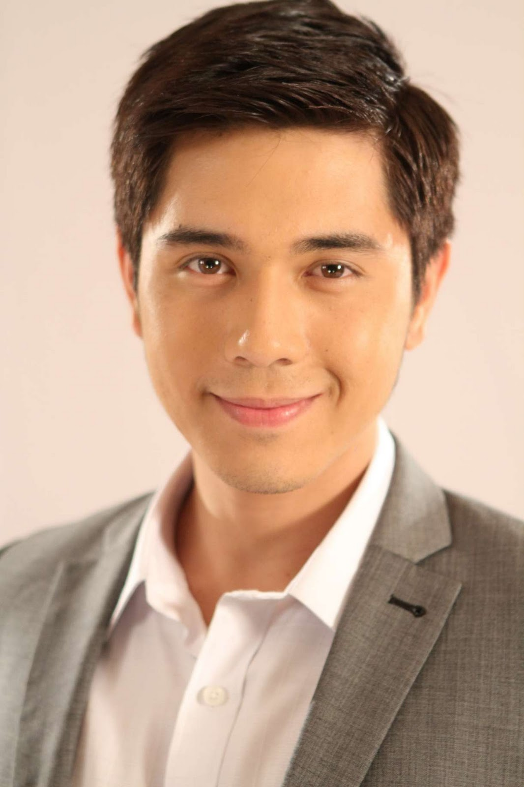 Paulo_Avelino_Hot http://www.showbiz-portal.com/2011/12/paulo-avelino-in-yesterday-today.html