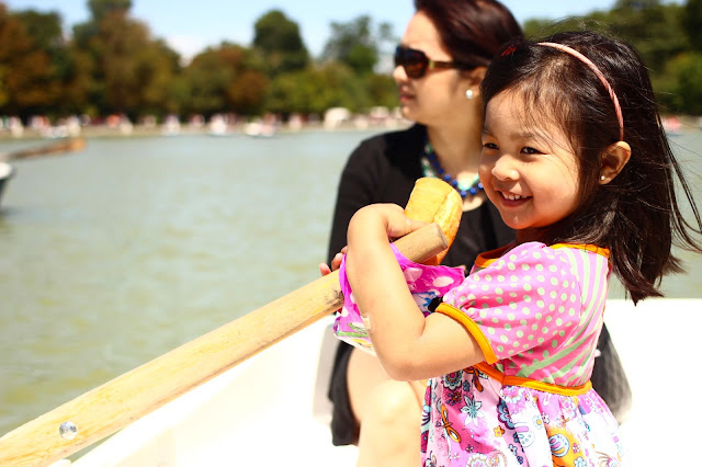 Paddle Boat | Retiro Park | Chichi Mary Blog
