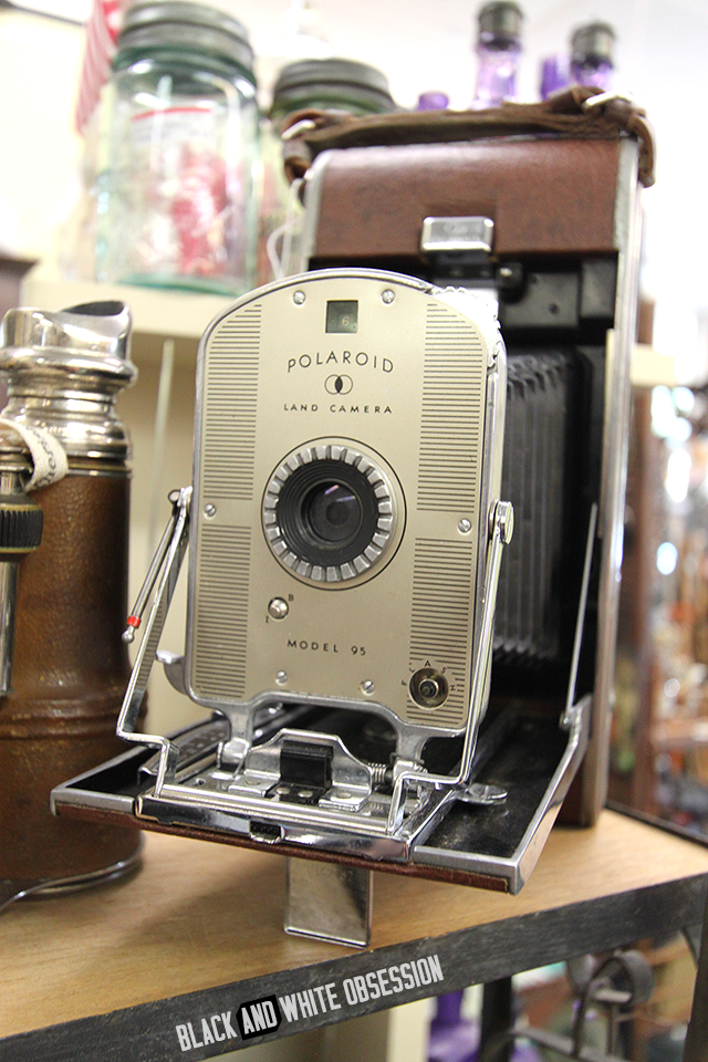#thriftscorethursday Week 26- Vintage Polaroid Camera at an Atlanta Antique shop | www.blackandwhiteobsession.com