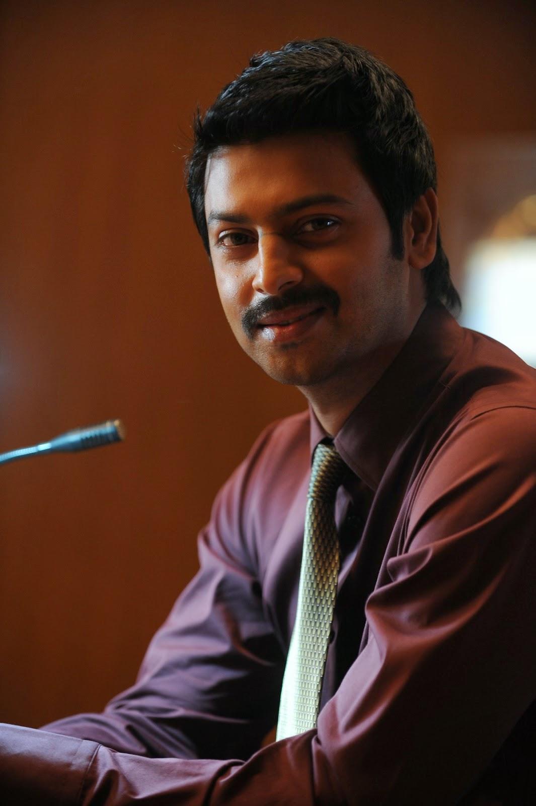 Nambiyaar Tamil Movie Photos Gallery-HQ-Photo-18