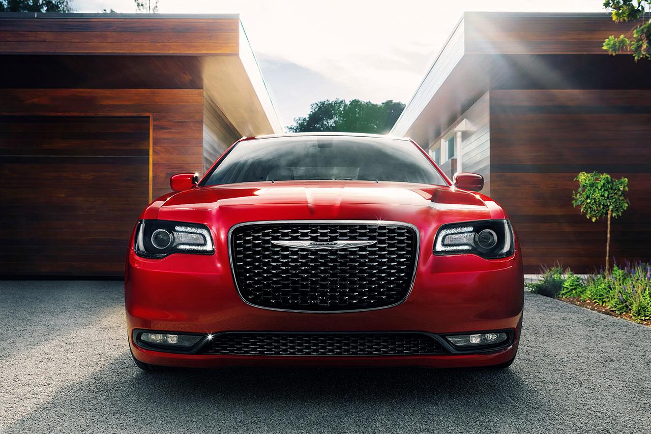 Chrysler 300 front