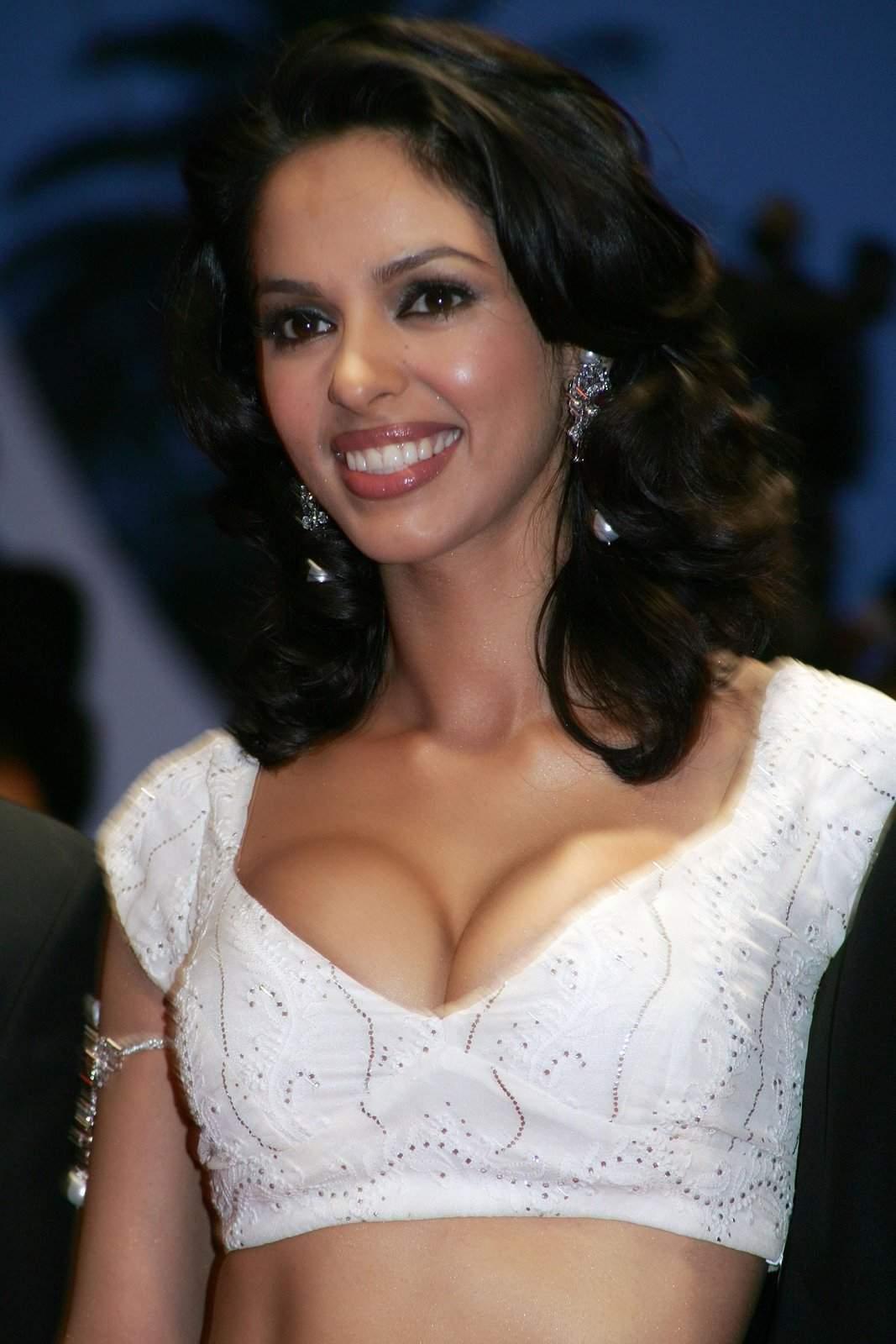 Mallika sherawat xxx potho Actress Mallika Sherawat's