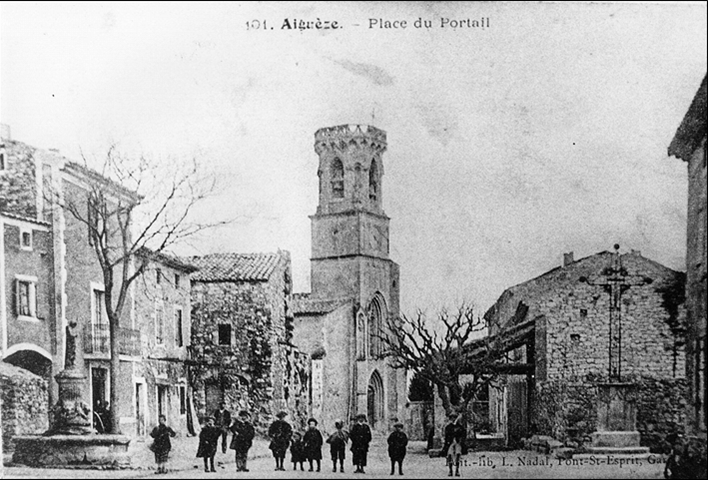 PLACE DU VILLAGE VERS 1910