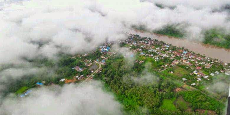 Kabupaten Malinau, Kalimantan Utara, dari udara