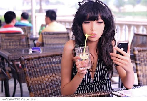Beautiful Zhao Yufei and Lamborghini   Really Cute China Girls