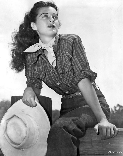 Gail Russell #1940s #cowgirl #40s #fashion #plaid