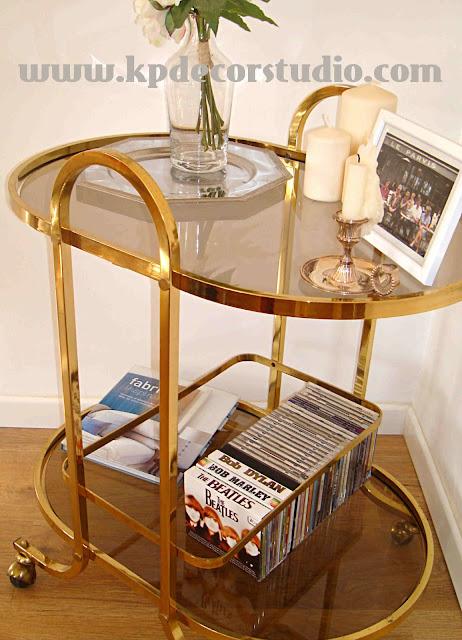"""alt=""""Tiena_online_de_decoración_vintage_valencia_comprar_regalos_originales_muebles_antiguos_mesas_de_latón_camareras_muebles_minibar_regalos_originales_original_gifts_decoration_messing_tisch"""""""