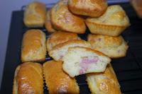 http://lespetitesrecettesdemi.blogspot.fr/2014/02/cakes-emmental-lardons.html
