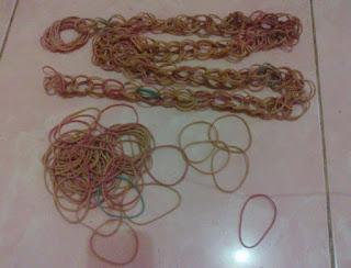 karet gelang lompat tali