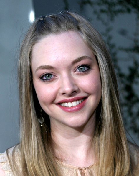 And T. Swift would be perfect to play the little sister. Ly. Amanda Seyfried