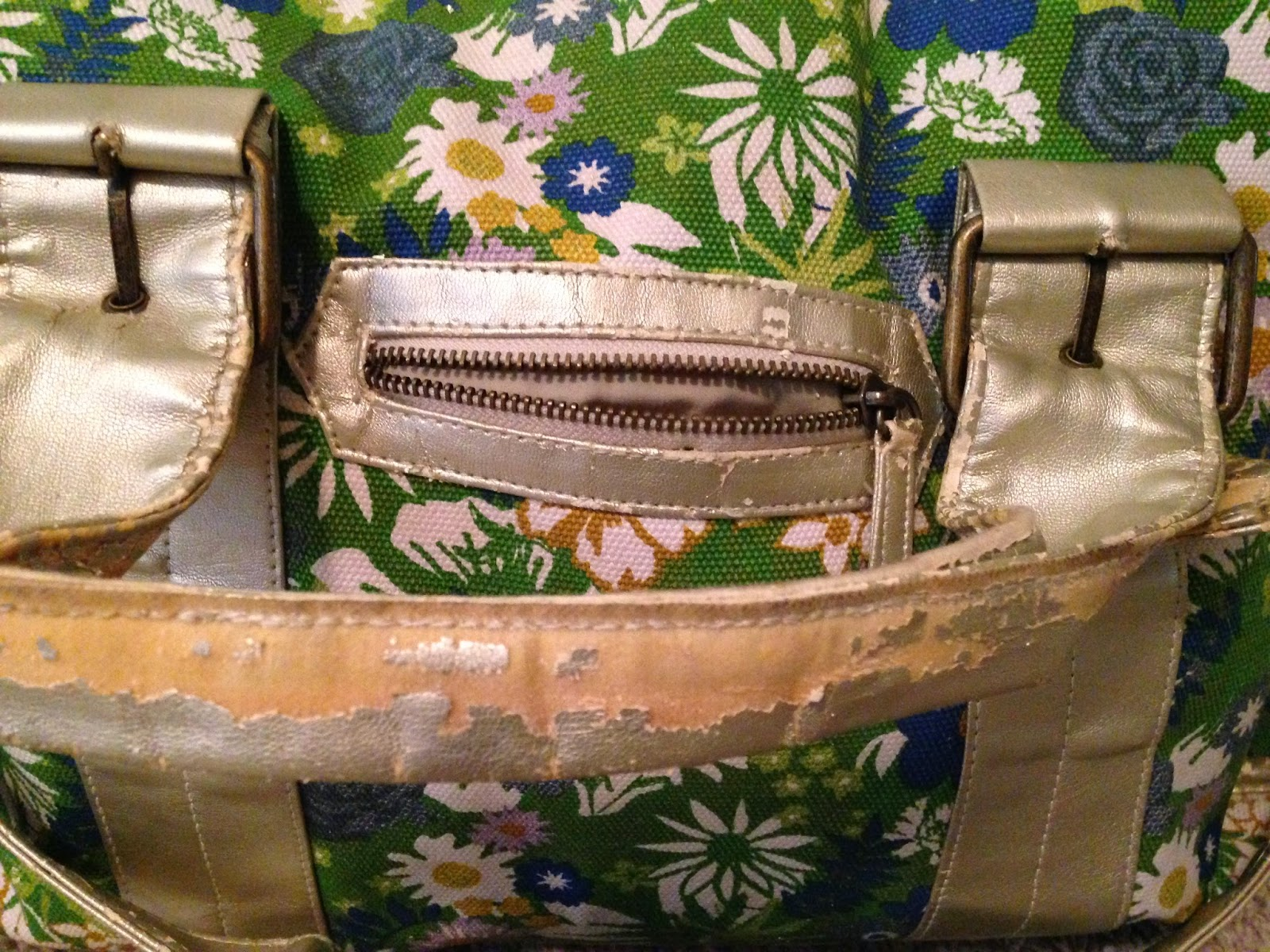 Ulterior Alterations: Weekend Bag Fix problem detail