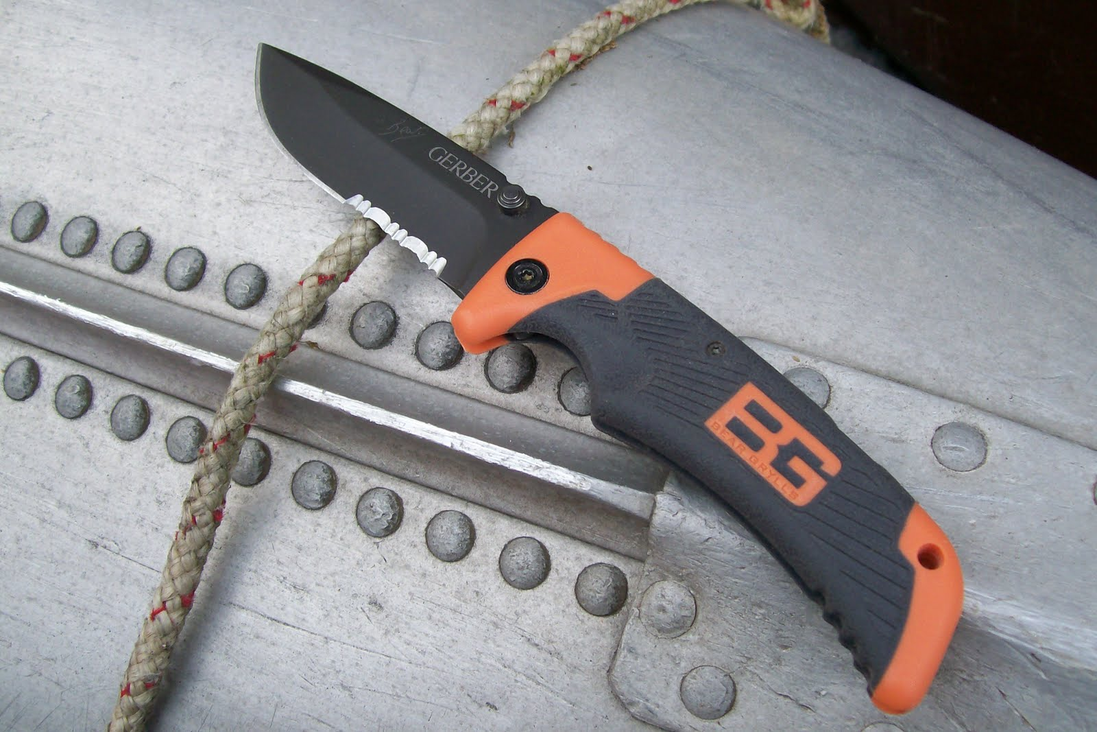 Bushcraft Plus Gear Review Gerber Bear Grylls Survival Series Scout
