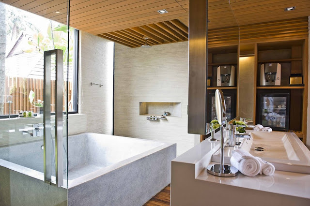 Small bathroom with square bathtub