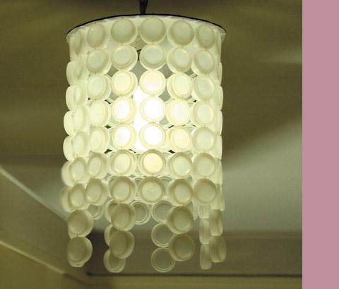Luminária com tampinhas de garrafa - passo a passo