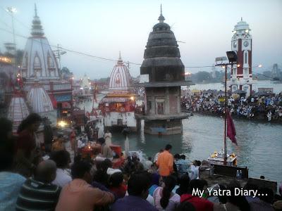 Pilgrims gathered at the Har Ki Pauri Ghat in Haridwar for the Evening Ganga Arti