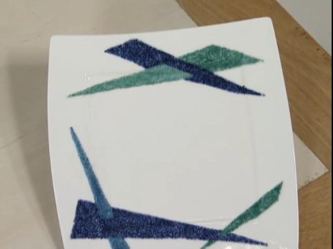 Técnica com granilha em porcelana