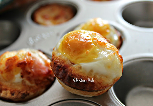 Q.b. - Quanto Basta.: Mini cestini di pane con uova di quaglia, speck