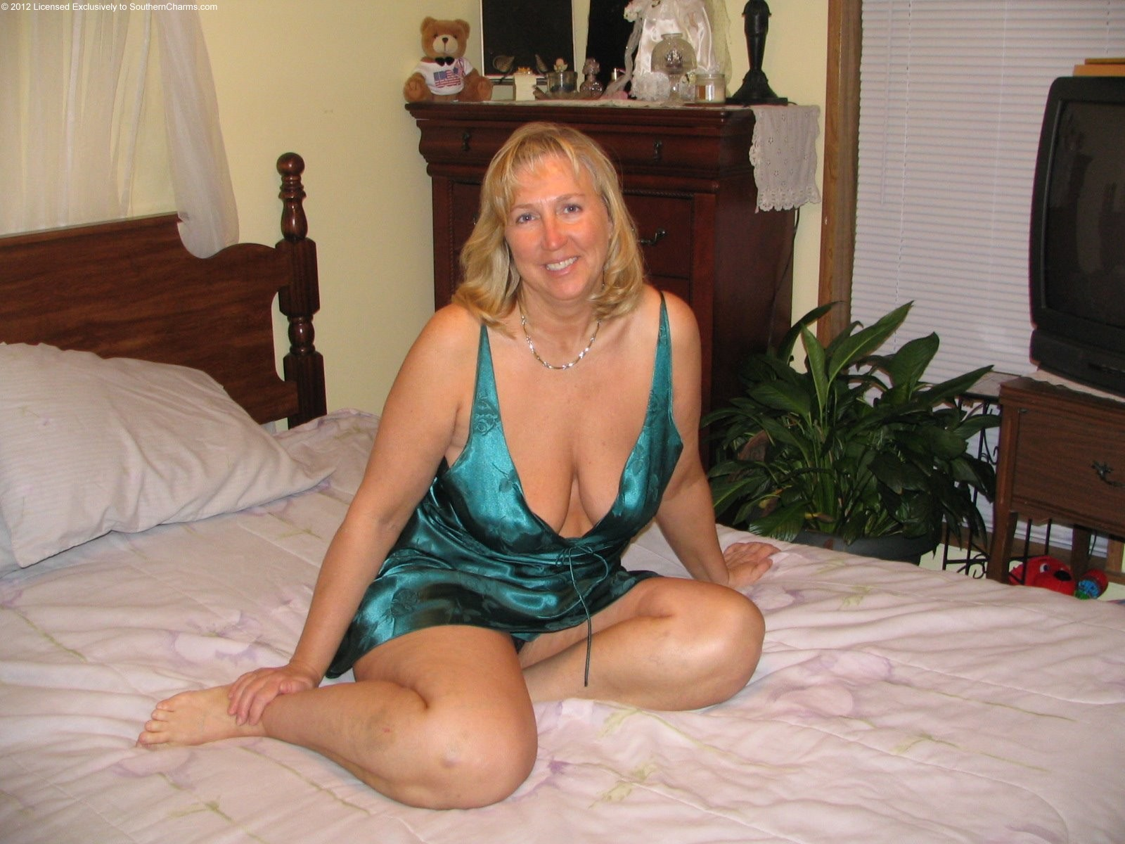 62 year old women undressing homemade
