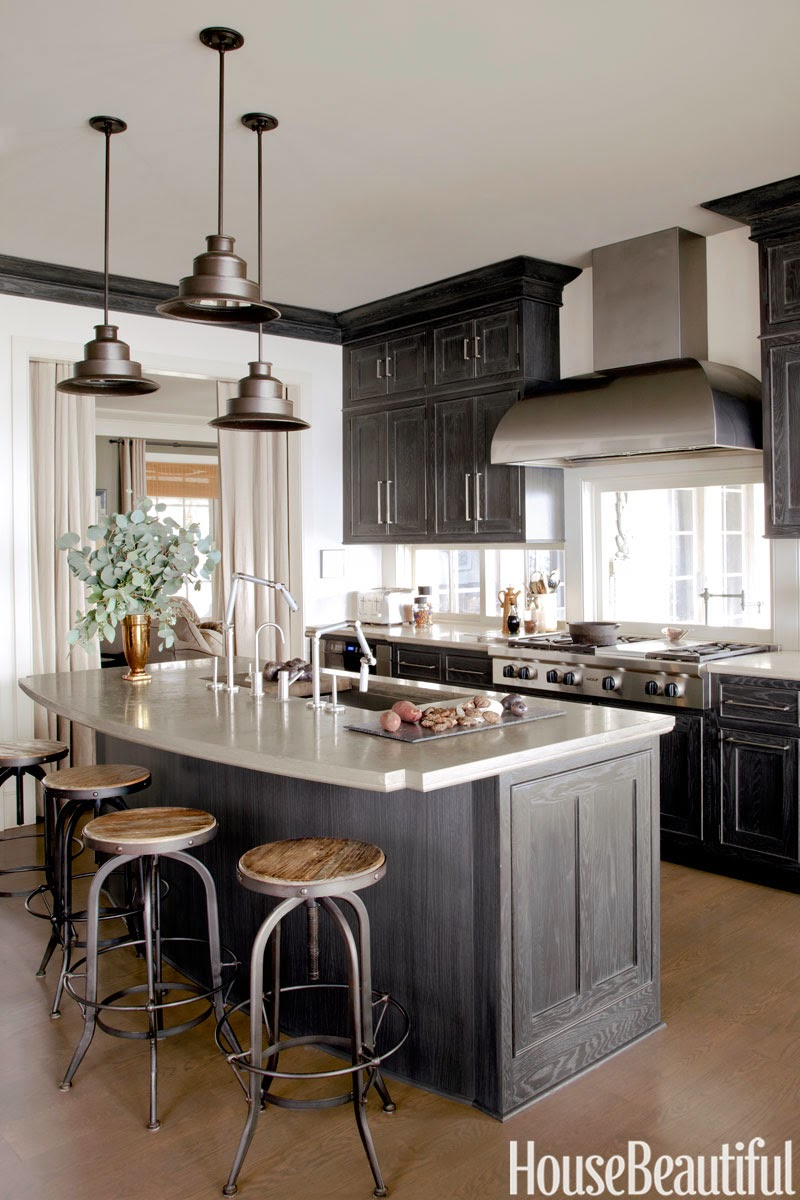 Stockholm vitt interior design november 2013 for Dark gray kitchen cabinets