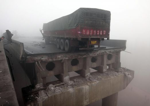 Highway collapse in China